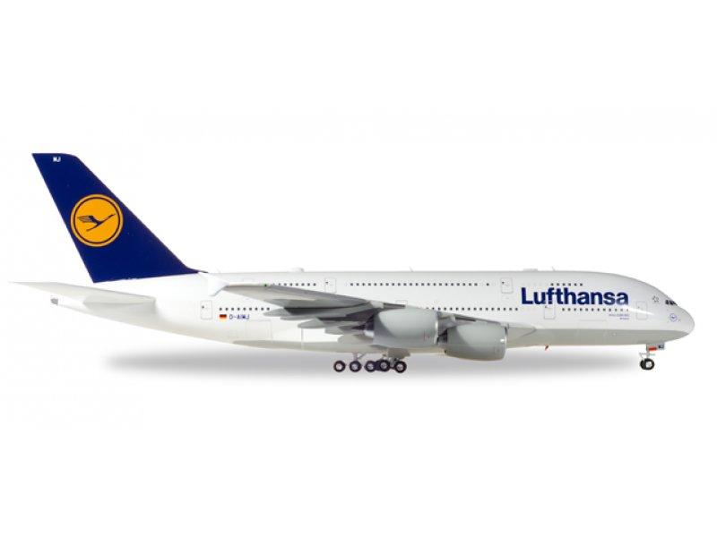 1//250 Herpa snapfit LUFTHANSA Boeing 747-8 Intercontinental Star Hansa 611978